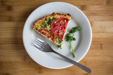 Tomato-Kale Quiche in Cheesy Rice Crust